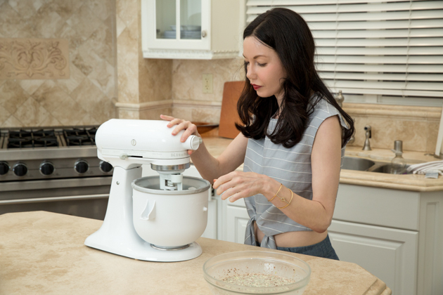 Lisa Valerie Morgan from Pretty Little Shoppers Blog shares homemade ice cream recipe