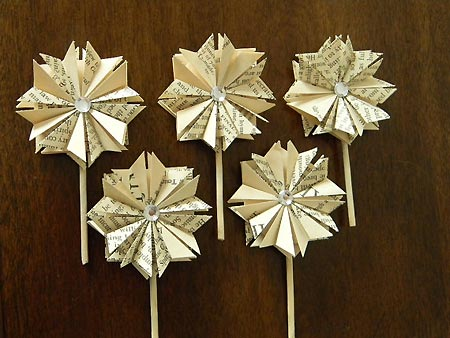 Cupcake toppers made from vintage books - Apples Modern Art