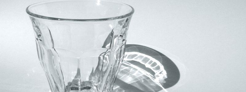 Rimuovere il calcare dai bicchieri