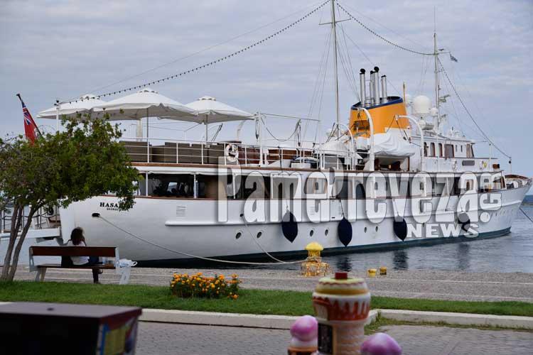 """Λύθηκε το """"μυστήριο"""" με το υπερπολυτελές σκάφος στην Πρέβεζα – Αφίχθη ο γιος του εμίρη του Κουβέιτ – Αποκλειστικές φωτογραφίες_5e0664c618713.jpeg"""
