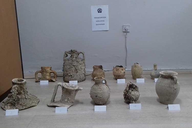 Πρέβεζα: Έκρυβαν τα αρχαία στα καταστήματα τους_5e04ee9635d99.jpeg