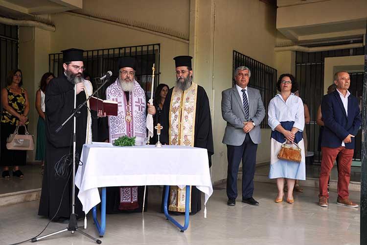 Σε τρία σχολεία για τον Αγιασμό ο Δήμαρχος Πρέβεζας_5e04f90fbcd20.jpeg