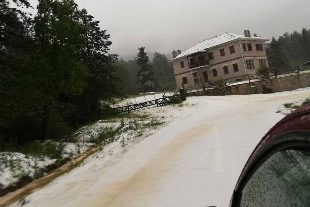 Χιόνισε στα ορεινά χωριά του Κεντρικού Ζαγορίου - PrevezaNews.gr