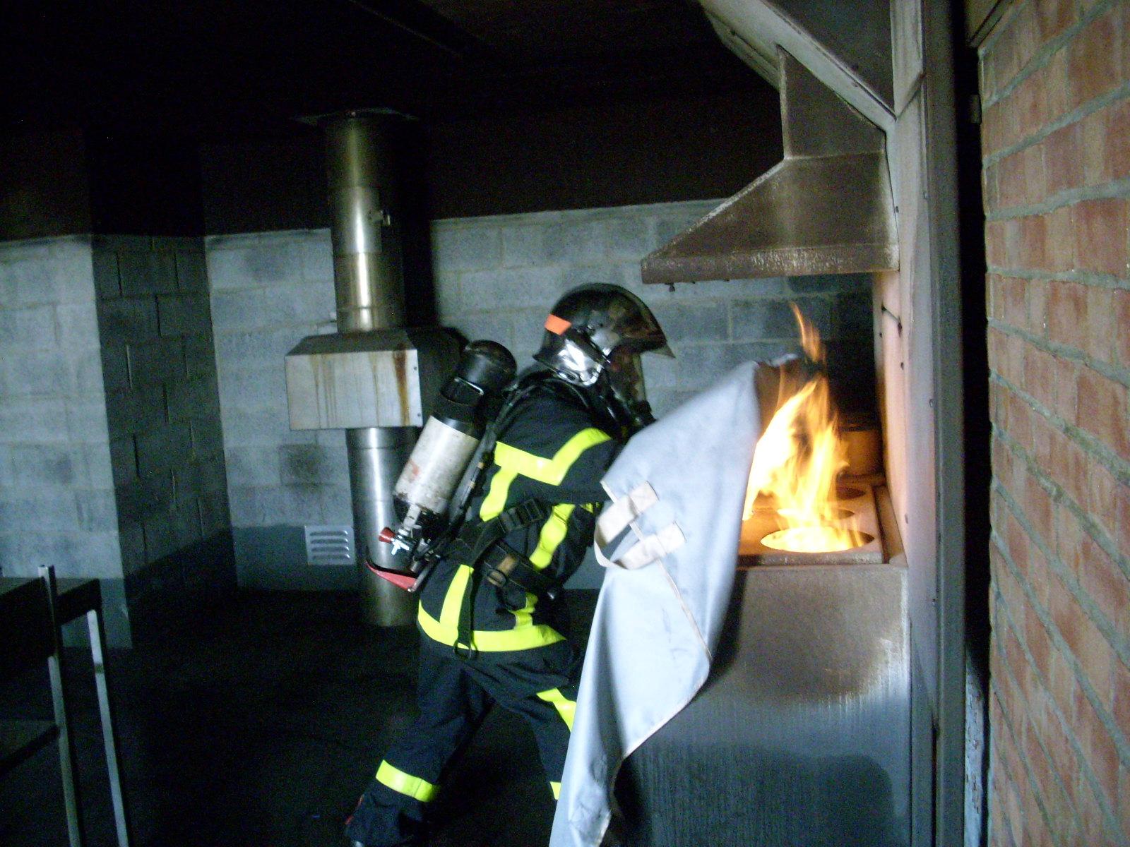 """Résultat de recherche d'images pour """"utilisation couverture anti feu"""""""