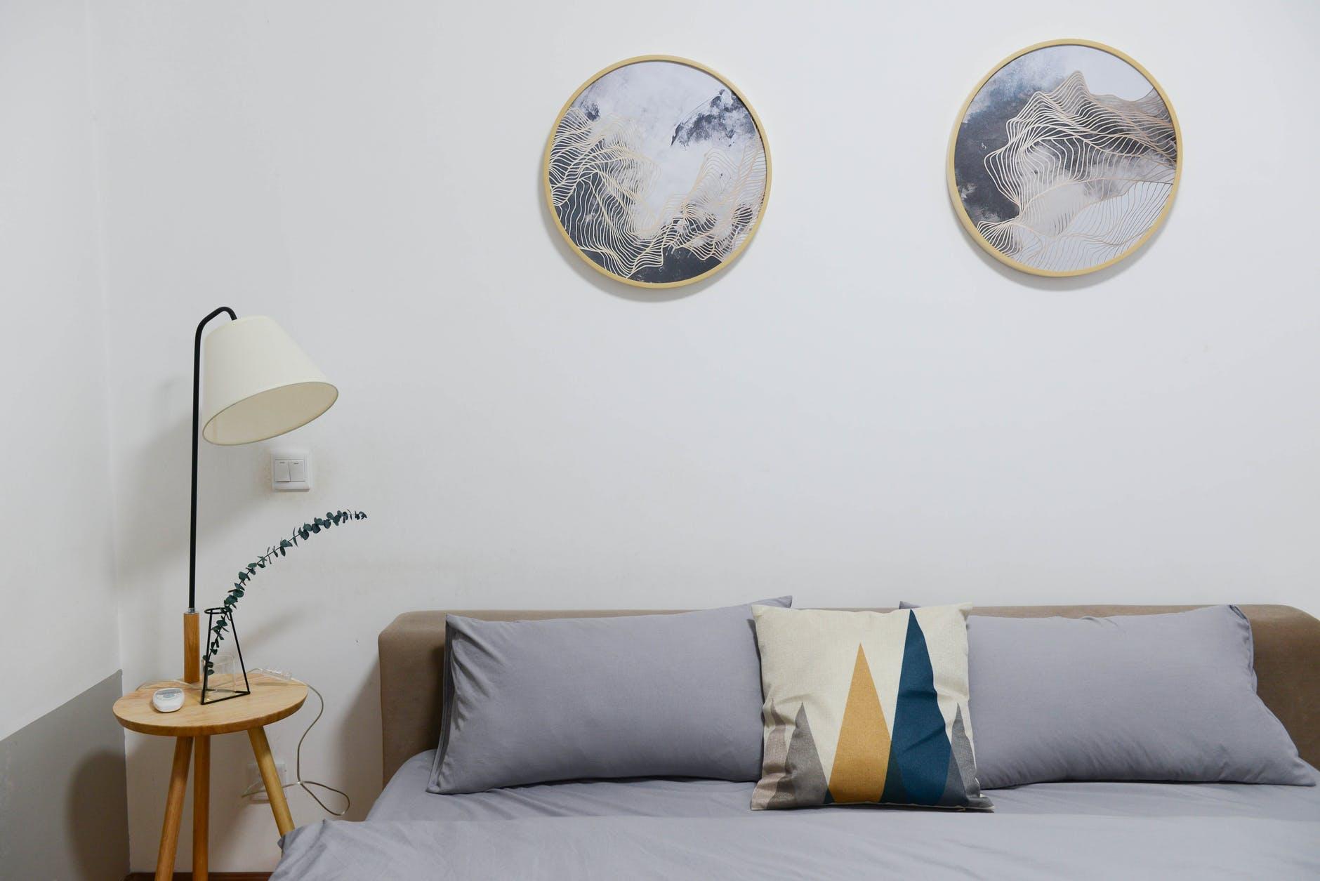Questa scelta estetica si può immaginare per ogni tipo di metratura, dalle stanze più ampie a piccole camere da letto.anche perché arredi su misura, soluzioni. Arredare Camera Da Letto Idee Per Stanze Piccole E Grandi Prezzi Ristrutturare