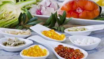 Doplňky stravy tablety a zelenina