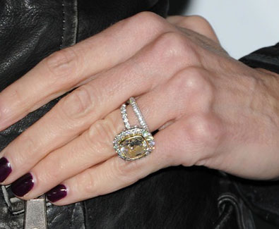 Real Housewives Of Beverly Hills The Bling Is Back