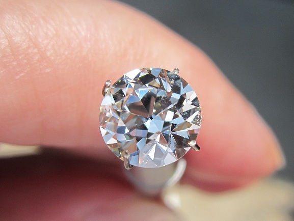 I am in LOVE with an August Vintage Round (AVR ...