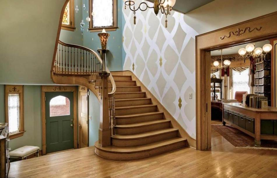 Historic C 1895 Sells Mansion Lists In Columbus Oh For 2 2m Photos Pricey Pads