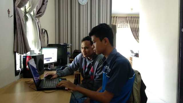 Programmer Android Senior Prilude Studio, beserta Rais Peserta LKS Software Solution for Bussines ke Tingkat Nasional