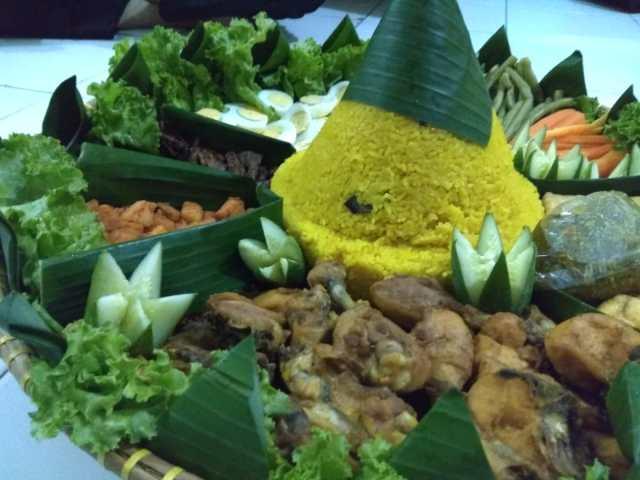 Nasi Tumpeng, di Sponsori oleh Prilude Studio