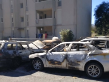 Caltagirone, auto incendiate