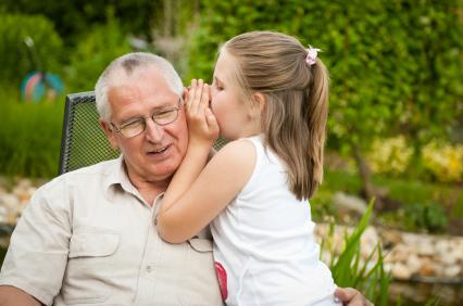 Bonus Baby Sitter anche a nonni e zii se si occupano dei bimbi