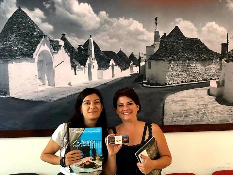 """Sicilia Magazine in gita ad Alberobello, la direttrice Eleonora Sacco """"Presto un progetto editoriale per promuovere il territorio""""."""