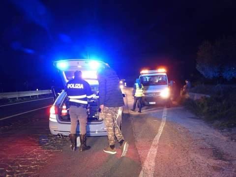 Altro incidente mortale questa sera nel Ragusano muore 17enne FOTO sul luogo del sinistro. Sul posto i carabinieri.