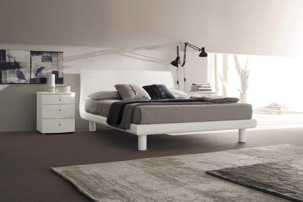 Lacquered Made In Italy Wood Elite Platform Bed Phoenix