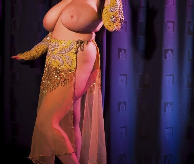 Arianna Sinn Belly Dancer