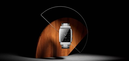 Vector Smartwatch With Classic Traditional Design And 10 Times More Battery Life Than Apple Watch