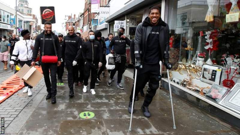 Joshua was also seen using crutches