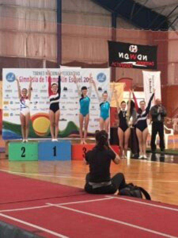 Valentina, la menor de los Podestá, en el podio de la gimnasia nacional