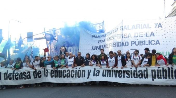 e58dc19e3024 La educación pública en crisis: comienza la tercera semana de paro ...
