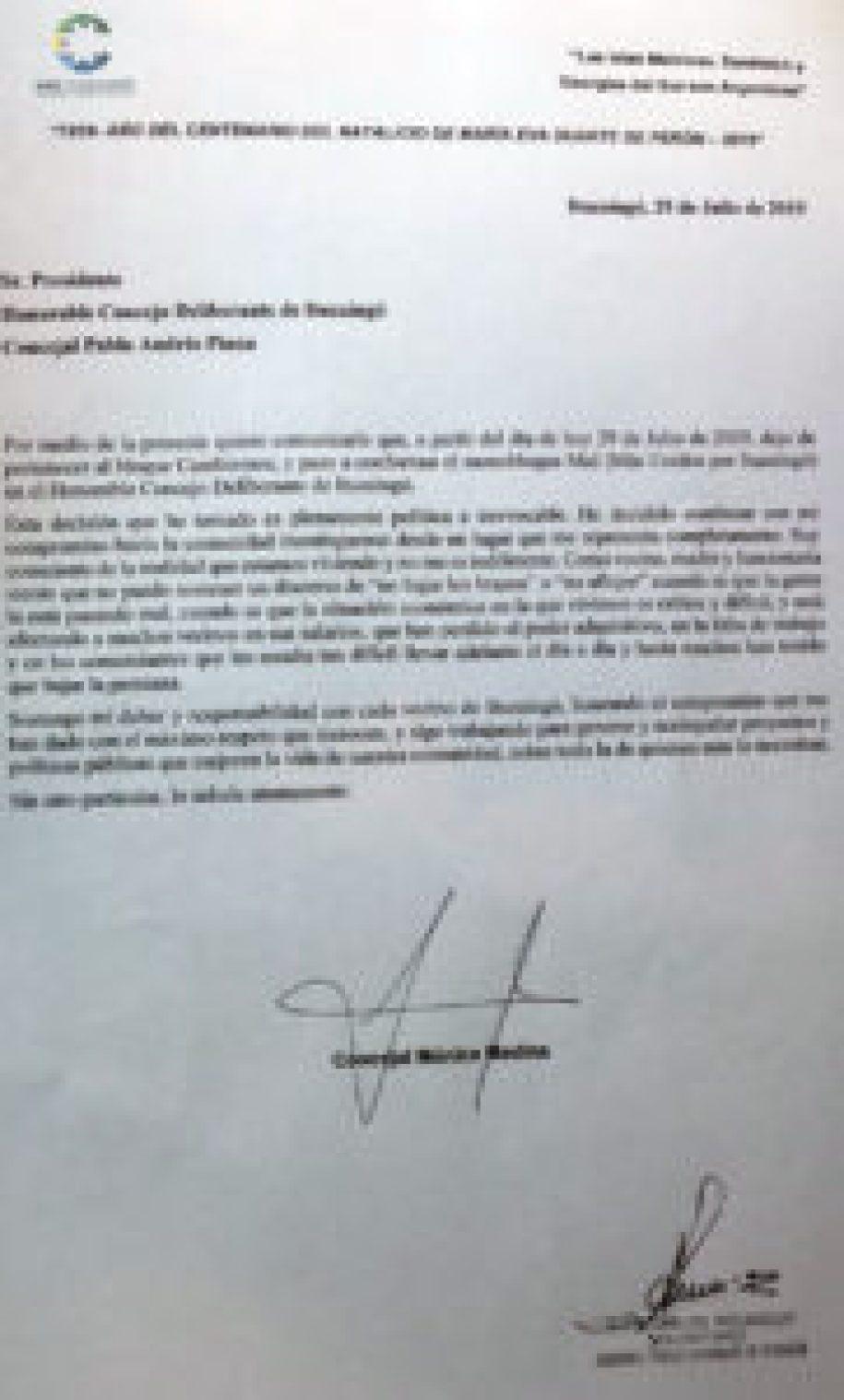 Renuncia de Mónica Medina