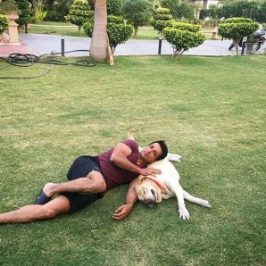 Sonu sood With His dog