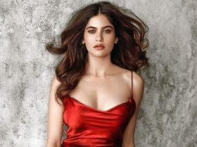 Aditi Sudhir Pohankar Hot And Beautiful