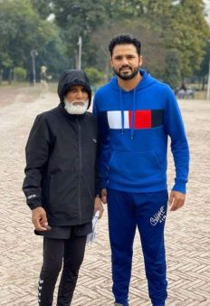 Azhar Ali With His Father