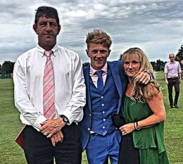 Dom Bess With His Father And Mother