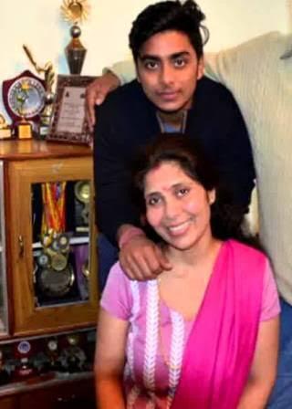 Ishan Kishan Mother And Brother