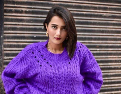 Riya Mavi Biography, Height, Weight, Age, Instagram, Boyfriend, Family, Affairs, Salary, Net Worth, Photos, Facts & More