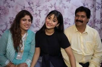 Shivangi Joshi Her Father And Mother