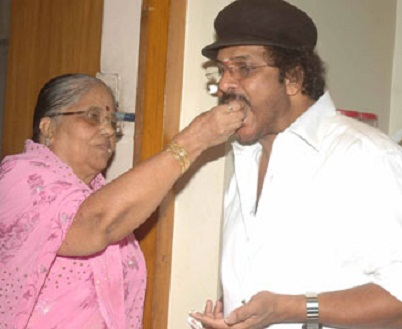 V. Ravichandran With His Mother