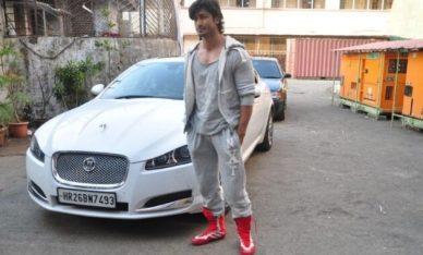 Vidyut Jamwal With His Car