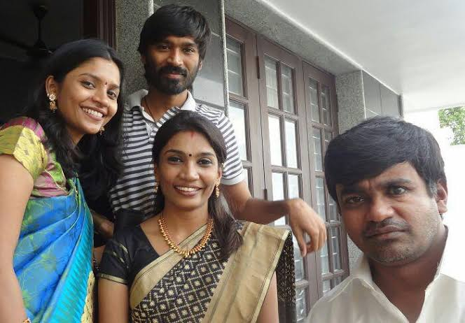 Dhanush with his brother and his two sisters
