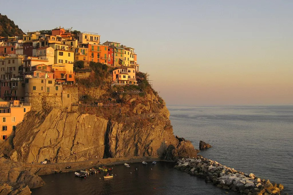 Manarola, ciekawe miejsca w Ligurii, ciekawe miejsca we Włoszech, Liguria, manarola cinque terre, szopka w manaroli, włochy ciekawostki