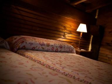 Dormitorio de la casa rural para 6 personas en Camijanes