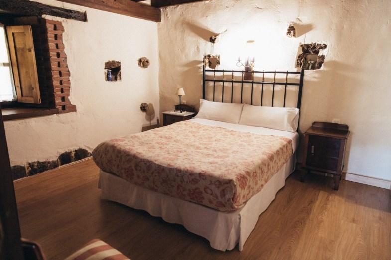dormitorio en casa rural en Camijanes Cantabria