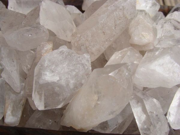 large quartz points stones crystals for sale