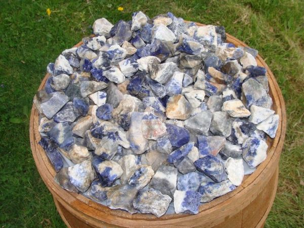 sodalite minerals crystal healing