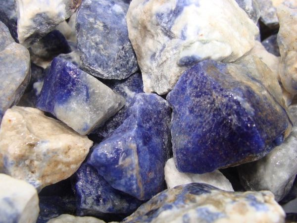 Sodalite mineral healing properties