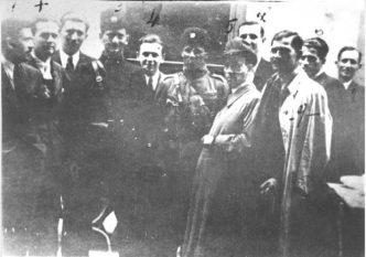 Četnik Vukašin Marčetić sa ustaškom policijom u Banja Luci 1944