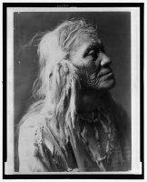 Čovek iz plemana Kittitas, po imenu Luqaiot, 1910.