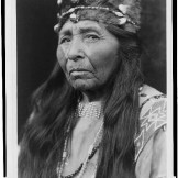 Žena iz plemena Klamath