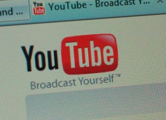 """""""Youtube logo"""" by Andrew Perry liscensed under CC BY 2.0 (via Flickr)"""