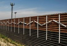 Photo of the U.S.-Mexico border fence.