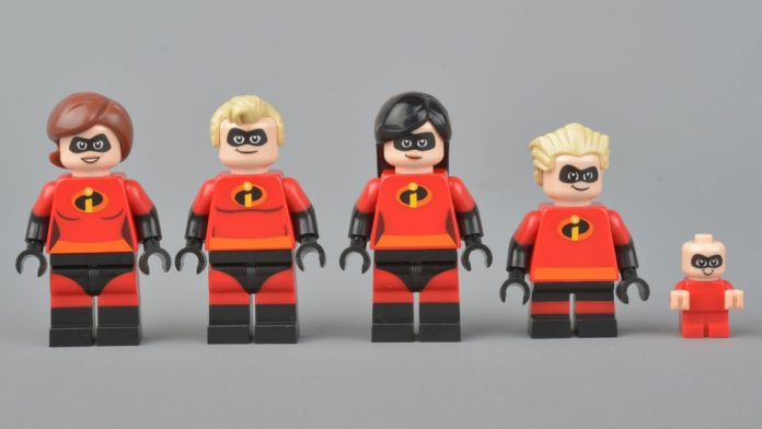Photograph of the Incredibles family made of legos