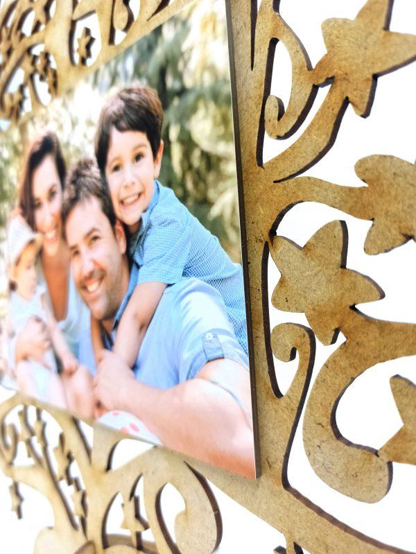 Detalle árbol de navidad con foto