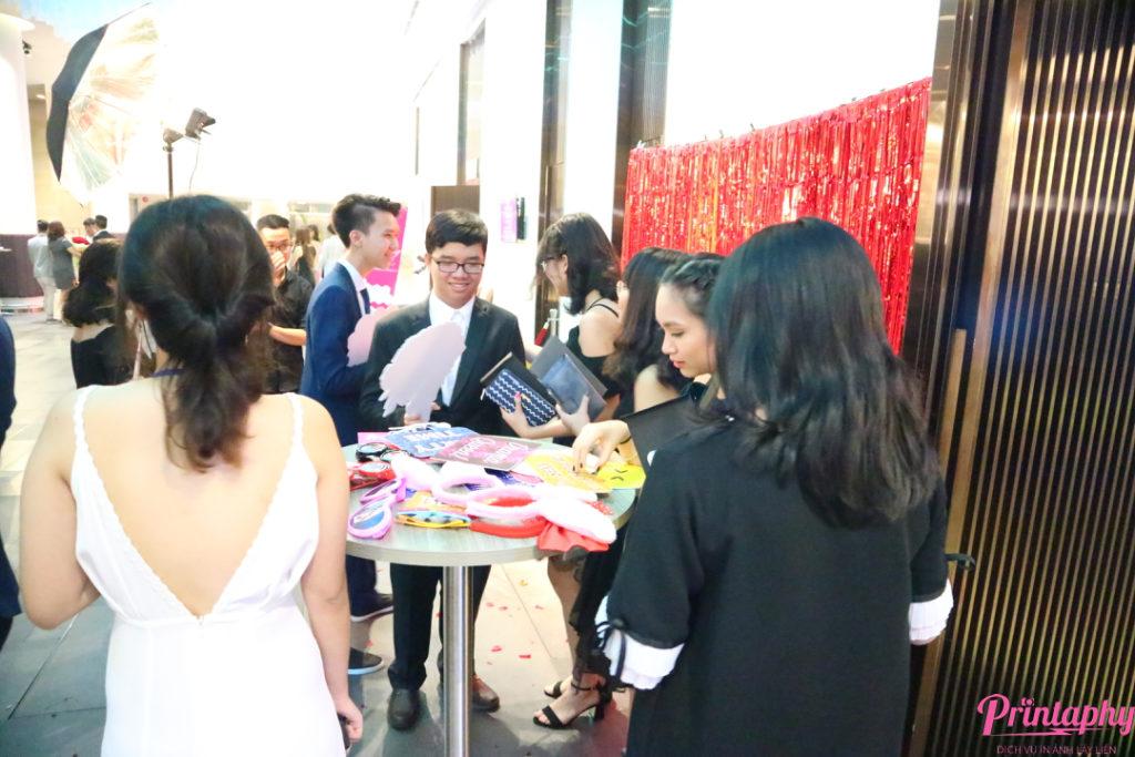 chụp ảnh lấy liền, chụp ảnh lấy ngay, chụp ảnh photobooth, chụp hình lấy liền, chup hinh lay ngay, chup hinh photobooth, in ảnh lấy liền, in hình lấy liền, printaphy,photobooth vietnam, tổ chức sinh nhật, tổ chức tiệc, tổ chức lễ hội, tổ chức prom